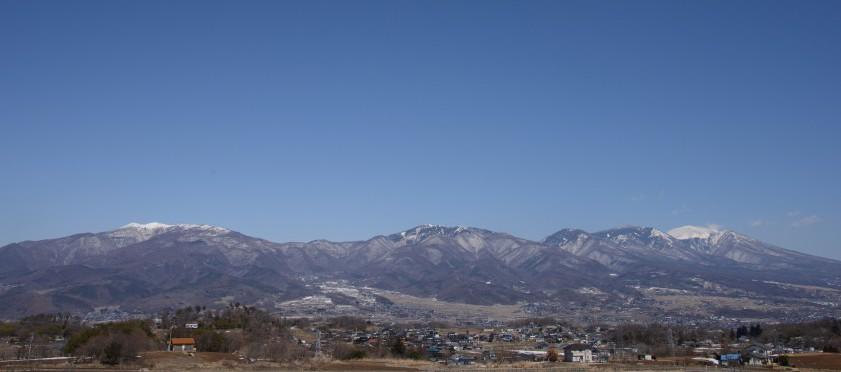 冬でも青い空が美しい東御市。